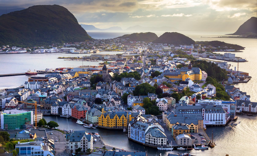 De haven van Alesund